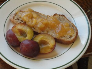 Finished Quince Jam Oct 2012