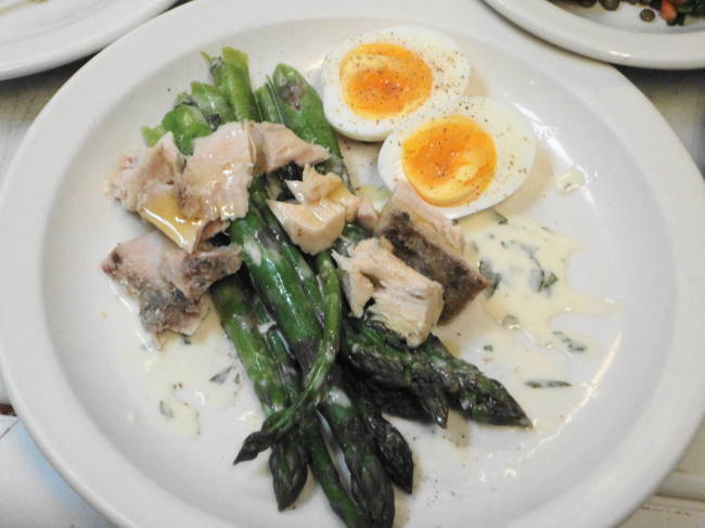 House cured tuna, Yakima asparagus, soft cooked egg and tarragon vinaigrette.