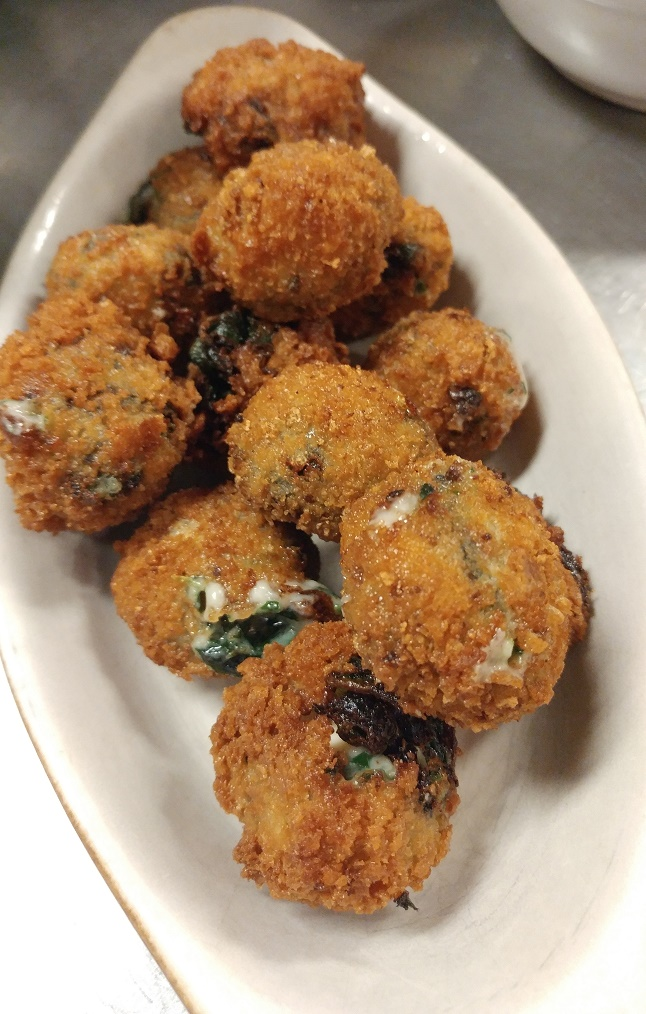 Crispy spinach and Fourme d'Ambert croquettes